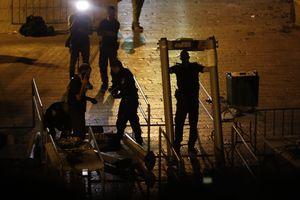 Израиль согласился убрать металлоискатели от Храмовой горы