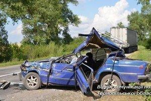 В Тернопольской области легковушка влетела в грузовик:  погиб отец троих детей