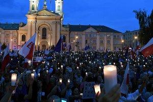 """До Майдана в Польше еще далеко, а Дуда ходит """"между капель"""" – эксперт"""