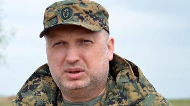 Турчинов: Украинские военные вДонбассе получат новые виды оружия