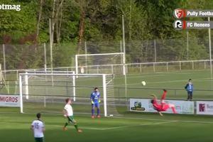 В Швейцарии футболист забил курьезный автогол ударом ножницами
