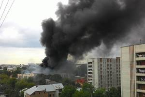 Масштабный пожар во Львове: горит инструментальный завод