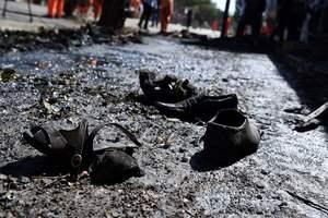 Взрыв автомобильной бомбы в Кабуле убил 35 человек