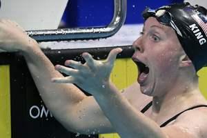 20-летняя американка Лилли Кинг обновила мировой рекорд на дистанции 100 метров брассом