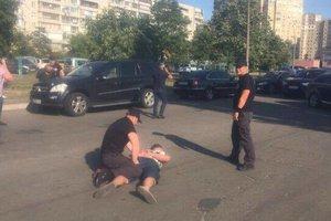 В Киеве коммунальщики за взятки распределяли торговые места в Гидропарке