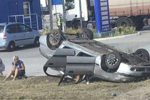 Под Киевом Lanos перевернулся на крышу, погиб водитель