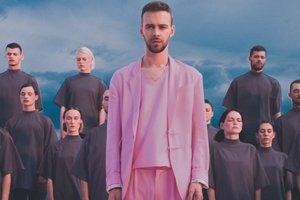 Розовые фантазии: Макс Барских и Алан Бадоев представили оригинальный клип