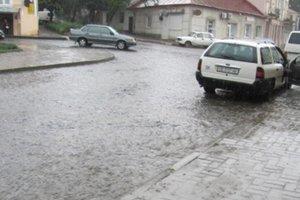 Черновцы заливает дождем