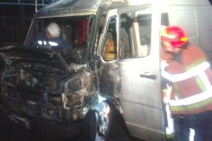 В Киеве ночью сгорел грузовик