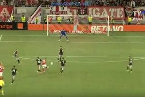 Сын Ривалдо забил красивый гол дальним ударом в Лиге Европы