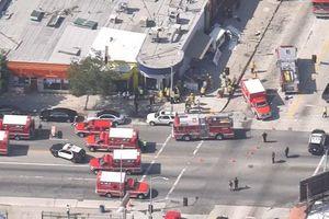 В Лос-Анджелесе фургон врезался в пешеходов (видео)