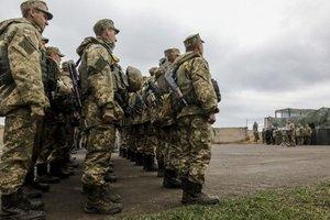 Турчинов предложил увеличить зарплату военным