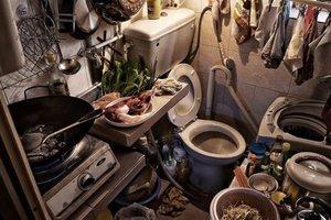 Фотограф показал впечатляющие снимки очень маленьких китайских квартир