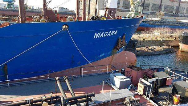 Украина продала два арестованных русских танкера