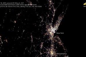 Впервые Землю сняли с борта МКС на любительскую камеру