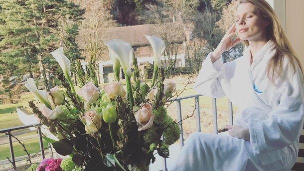 Ольга Фреймут впервый раз обнародовала снимок новорожденной дочери