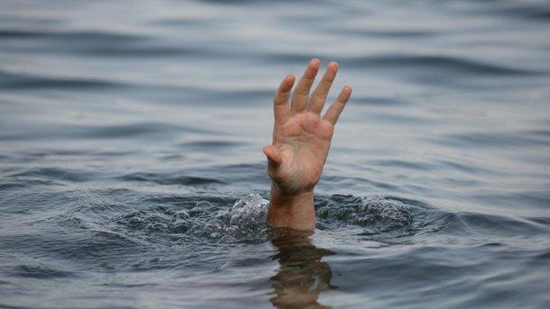 Тело мужчині искали водолазы. Фото: gazeta-rvs.ru