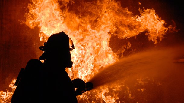 Рано утром загорелся жилой дом. Фото: kherson.net.ua