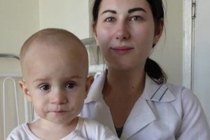 В Киеве на улице нашли брошенную коляску с младенцем