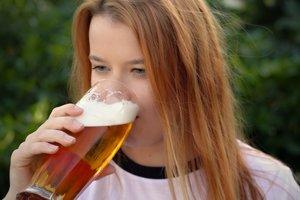 Пять поводов пить пиво и три рецепта уникальных лечебных средств из него