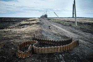 На позициях украинских бойцов на Донбассе пожары – волонтер