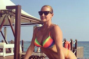 """Волочкова показала свой """"лучший шпагат"""" на яхте"""