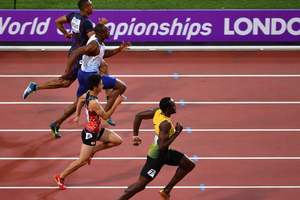 Усейн Болт со вторым временем вышел в финал 100-метровки на чемпитонате мира