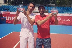 Сергей Стаховский в паре с испанцем выиграл турнир в Сеговии