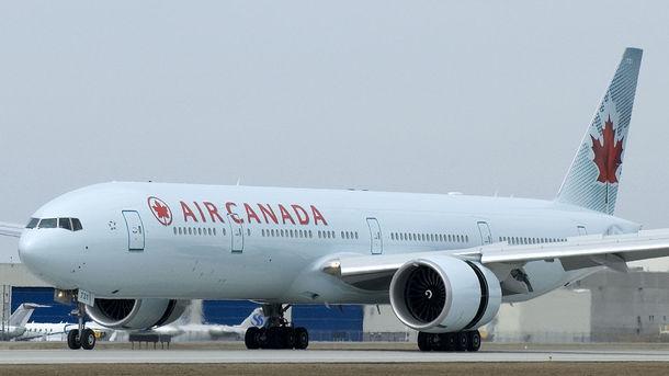 Два пассажирский лайнера «неразошлись» ваэропорту Торонто