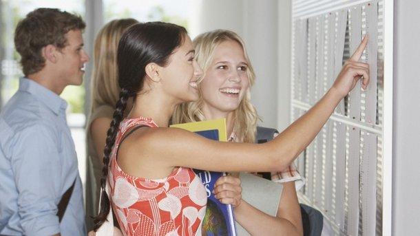 Сегодня украинские университеты обнародуют списки поступивших выпускников