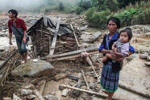 Мощное наводнение во Вьетнаме: десятки погибших, смытые дома и пропавшие без вести