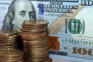 Украину ждет рост курса доллара - эксперт