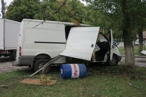 В Киеве на Нивках произошло массовое ДТП: разбиты три авто