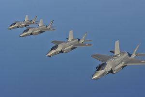 Истребители НАТО все чаще перехватывают самолеты России над Балтикой