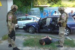 """В Одессе бойцы КОРД задержали наркоторговцев: одну """"дозу"""" продавали за 400 грн"""