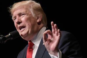 """США ответят """"огнем и яростью"""" в случае угрозы со стороны КНДР - Трамп"""