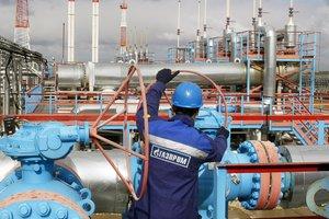 """Санкции США против России ударят по """"Газпрому"""" - Moody"""