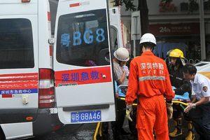 Масштабная авария в Китае: автобус с людьми врезался в стену