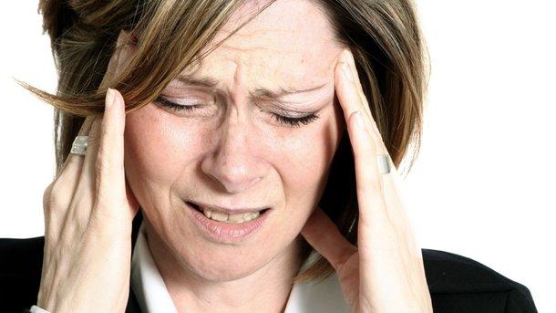 Почему по утрам болит голова: ТОП-7 основных причин - Навязчивой ...