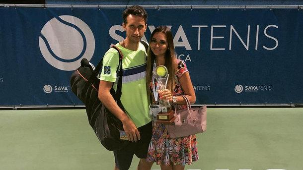 Сергей Стаховский при поддержке жены и детей выиграл турнир в Словении