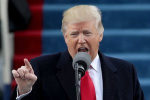 Трамп отреагировал на кровавые столкновения в Вирджинии