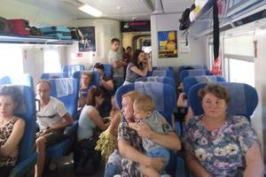 """Пассажиры поезда """"Интерсити"""" ехали из Одессы в Киев стоя"""