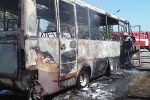 Под Киевом сгорел пассажирский автобус