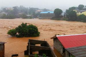 При сходе оползня в Сьерра-Леоне погибли сотни человек