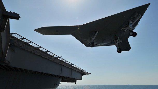 ВСША провели тестирования беспилотника-заправщика для палубной авиации