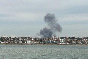 Рядом с лондонским аэропортом прогремел взрыв: появились фото и видео