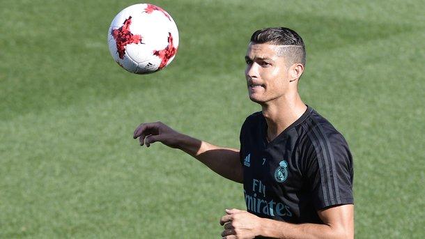 «Реал» стал обладателем Суперкубка Испании, победив «Барселону» посумме 2-х  матчей