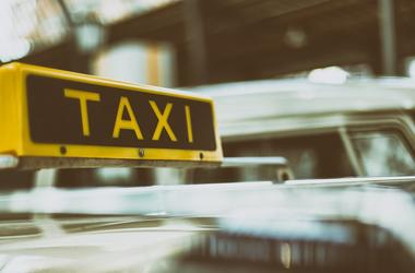 Такси в Киеве: плохой сервис, безответственность водителей и нелегалы на дорогах