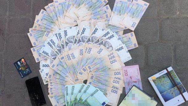 СБУ: НаИвано-Франковщине штамповали поддельные ID-карточки