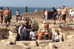В оккупированном Крыму откопали еще один древний артефакт